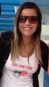 naia valerio-taubate-cafe com tenis