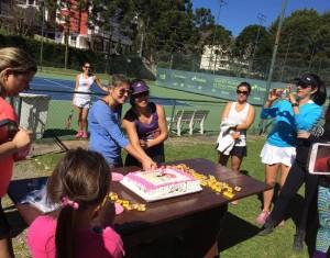 cafe com tenis-tenis clube campos jordao - bolo-1ano